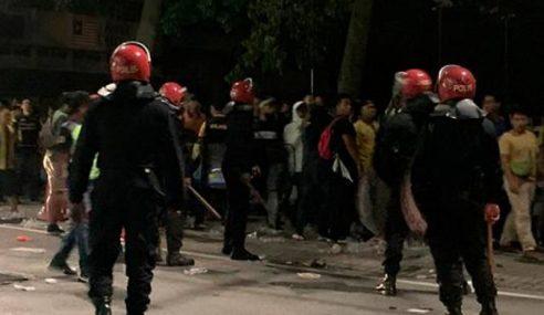 Penyokong Garuda, Harimau Malaya Ditahan Polis