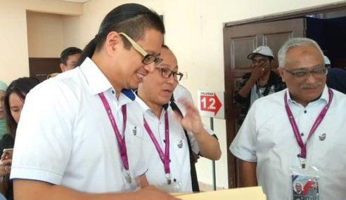 SPR Belum Terima Aduan Menteri Beri Sumbangan Semasa Kempen