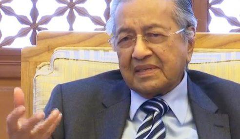 Jangan Perbesar Isu Abu Mayat Chin Peng – Mahathir