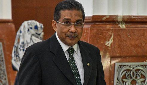 Mahathir, Ahli Politik Tak Wajar Komen Kes Najib – PAS