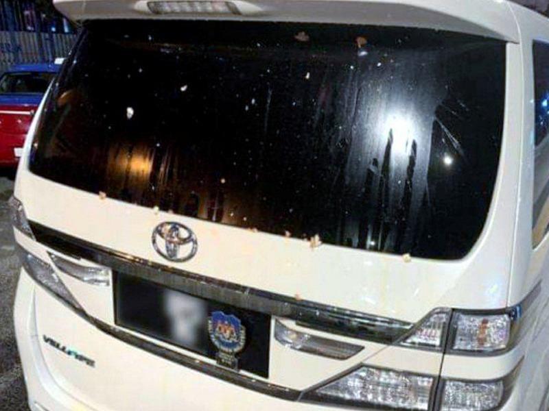 Toyota Vellfire Prabakaran Dibaling Telur, Polis Teliti CCTV