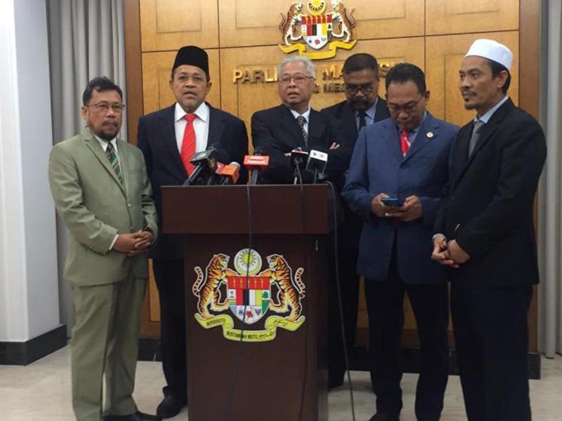 Pembangkang Desak PM Nasihatkan Agong Pecat Peguam Negara