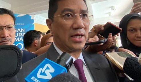 Wujud 'Tangan Ghaib' Batal Jemputan Rasmi Kongres AMK – Azmin