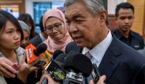 UMNO Tidak Akan Jarakkan Diri Dengan Najib – Zahid