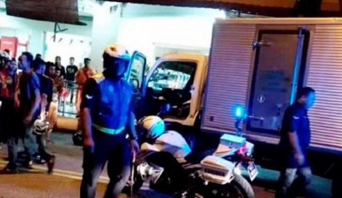 Padah Berani Sangat Acu Parang Kepada Polis
