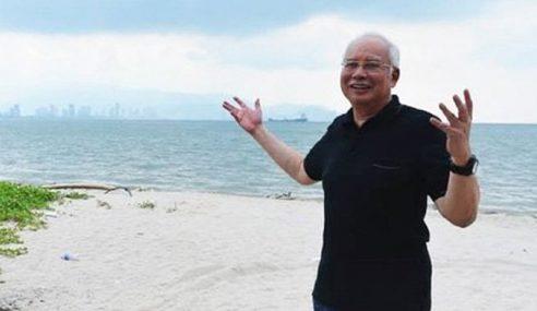 Najib Kongsi 'Cara Kuburkan' DAP