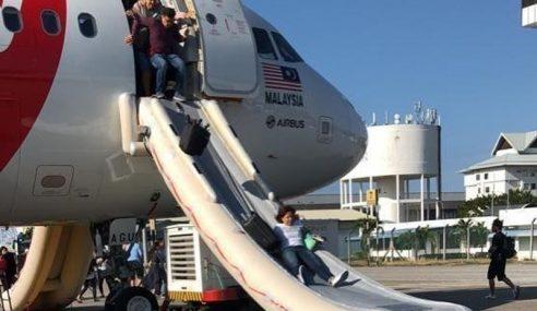 Pesawat AirAsia Berpatah Balik Kerana Masalah Teknikal