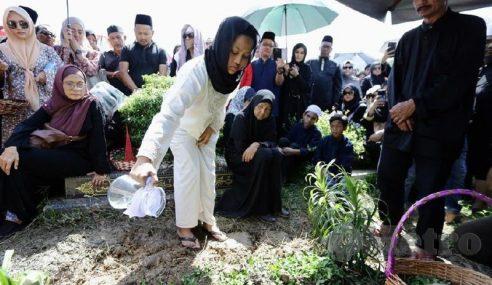 Jenazah Nassier Wahab Selamat Dikebumikan