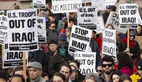 Penunjuk Perasaan AS Bantah Perang Dengan Iran