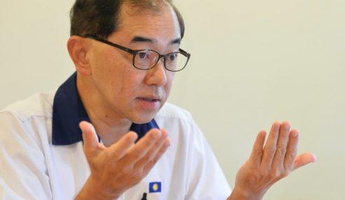 Menteri Mahu Berkereta Mewah, Rakyat Disuruh Ikat Perut