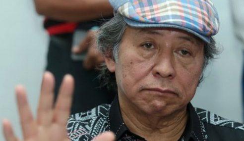 """""""Cinta Saya Pada UMNO Masih Dalam"""" – Anifah"""