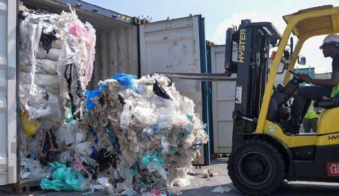 Malaysia Hantar Pulang 150 Kontena Sisa Pepejal Plastik