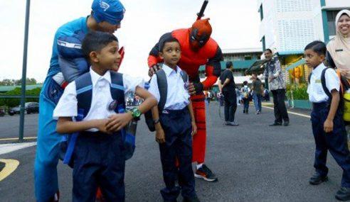 Captain America, Deadpool Sambut Murid SK St Paul