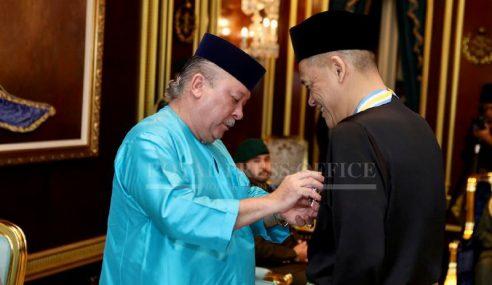 Sultan Johor Kurnia DMIJ Pada Presiden FAM
