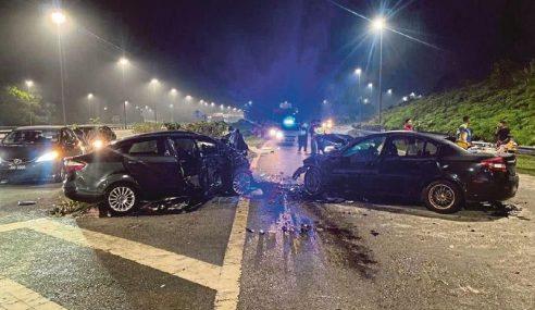 Pemandu Lawan Arus Disyaki Mabuk – Polis