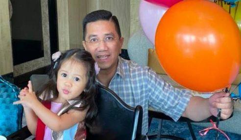 Azmin Rai Ulang Tahun Cucu Di Sebalik Spekulasi