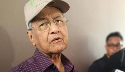 """""""Saya Tak Terlibat Dengan Akuan Bersumpah"""" – Mahathir"""