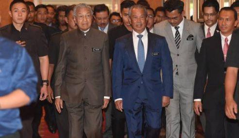 Mahathir Sedia Serah Jawatan Bila-Bila Masa
