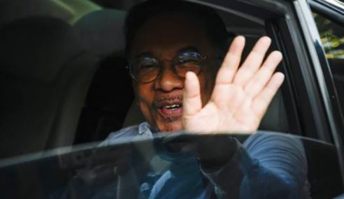 Anwar Mahu Menghadap Agong Buktikan Sokongan Majoriti