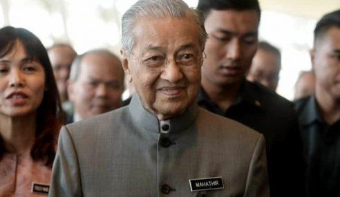 Kerajaan Alu-Alukan Sokongan UMNO, PAS – Mahathir