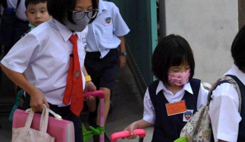 Pelajar Kembali Ke Sekolah Tahun Depan Tak Benar