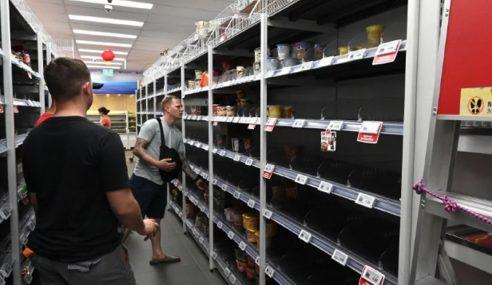 Rak Pasar Raya Kosong, Rakyat Singapura Buat Pembelian Panik