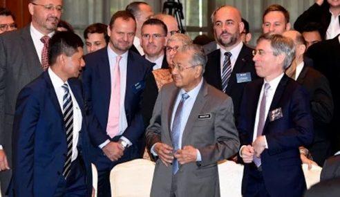 Mahathir Tak Tahu Rancangan PAS Usul Undi Percaya