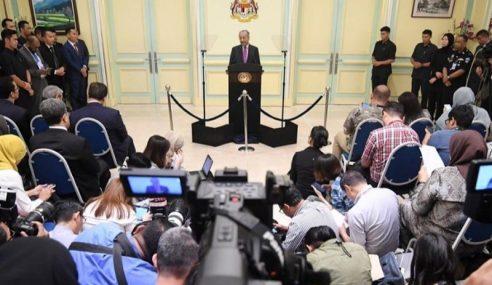 Kerajaan Suntik RM20 Bilion Rancakkan Ekonomi – Mahathir