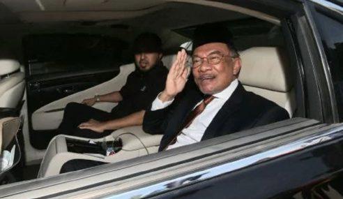 Anwar Keluar Dari Istana Negara Selepas 10 Minit Tiba