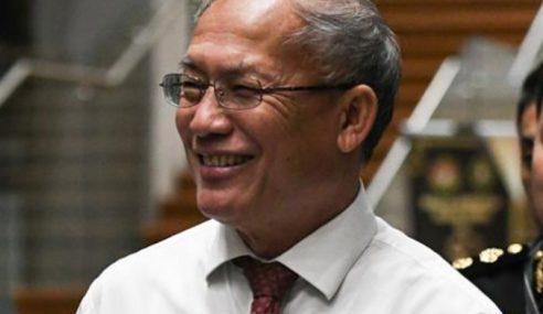 Richrard Riot Sertai PKR, Jeffrey Kitingan Sokong Mahathir