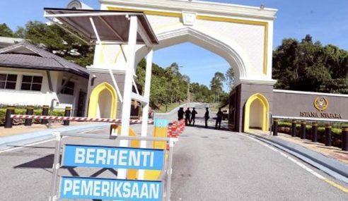 Kira-Kira 30 Ahli Parlimen Sudah Memasuki Istana Negara