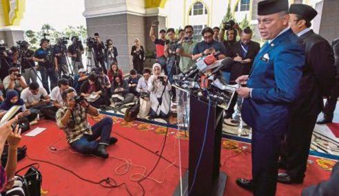 90 Ahli Parlimen Dipanggil Menghadap Agong