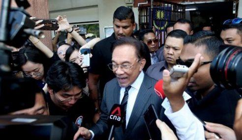Mahathir Tak Terbabit Komplot – Anwar