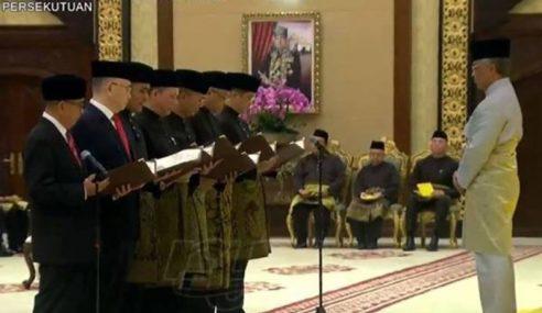 31 Menteri Kabinet Angkat Sumpah Jawatan Di Hadapan Agong