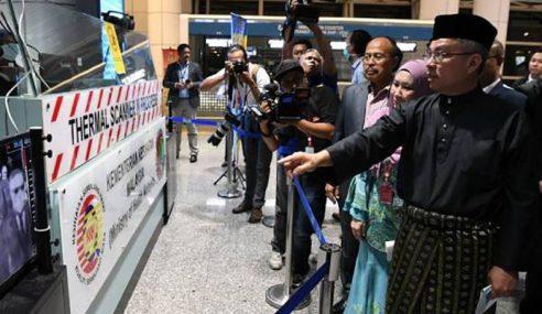 Hari Pertama Bertugas Sebagai Menteri, Dr. Adham Tinjau KLIA