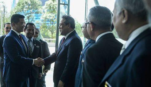 APEC 2020 Akan Diteruskan – Azmin