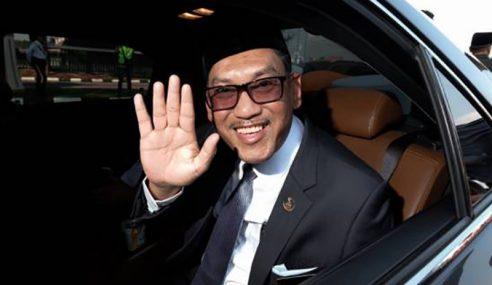 Ahmad Faizal Dilantik Menteri Besar Perak Ke-13