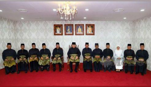9 Exco Melaka Angkat Sumpah