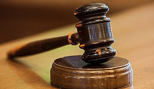 2 Lelaki Mengaku Salah Hina Agong