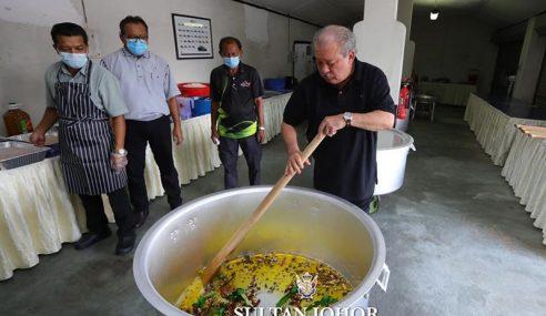 Sultan Johor Masak Bubur Lambuk