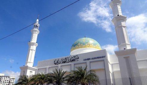 Pendam Impian Selama 39 Tahun Untuk Peluk Islam