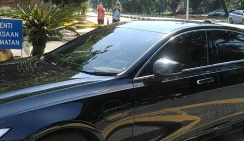 Mukhriz Mengadap Sultan Kedah