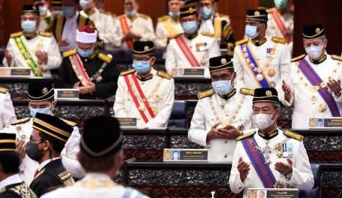 114 Ahli Parlimen Duduk Di Kerusi Kerajaan