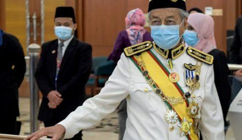 Mahathir Minta Ditempatkan Di Blok Pembangkang
