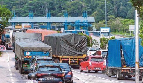 Trafik Sesak Di Beberapa Lebuh Raya Utama