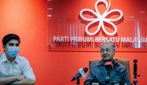 """""""Nak Pecat, Saya Tunggu Di Pejabat"""" – Mahathir"""