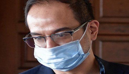Mahkamah Benar Hampir RM600,000 Wang Riza Aziz Dilucut