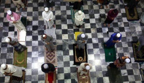 Lebih Banyak Masjid, Surau Di Zon Hijau Dibuka