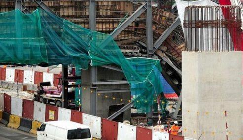 Sebahagian Kerangka Besi Projek Pembinaan LRT3 Runtuh