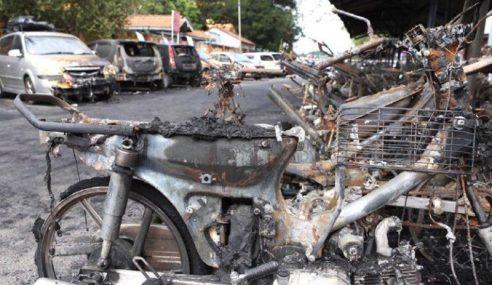 53 Motosikal, 8 Kereta Hangus Di PPR Gombak Setia